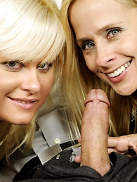 Peyton Leigh, Kelly Surfer