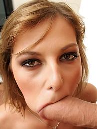 Jennifer Love, Mugur
